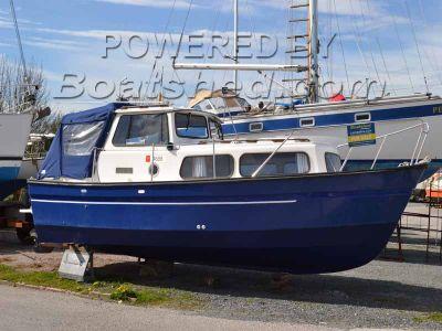 Hardy 25 Inboard Diesel