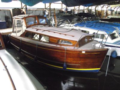"Wooden  Broads Cruiser Moore and Sons ""Moorhen"" class"