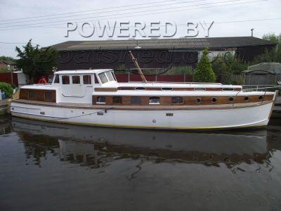 Herbert Woods Light Class Classic Broads Cruiser