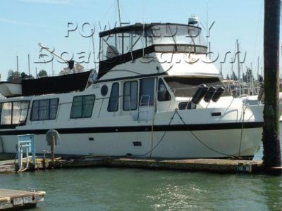 Bluewater 45 Flybridge Cruiser