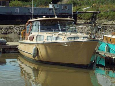 Profile 33 Motor Cruiser