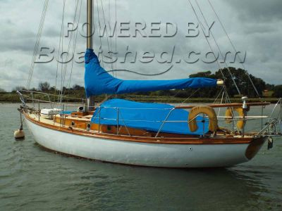 Nicholson 30 Cruising Yacht
