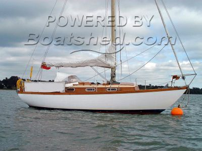 Twister 28 Sailing Cruiser