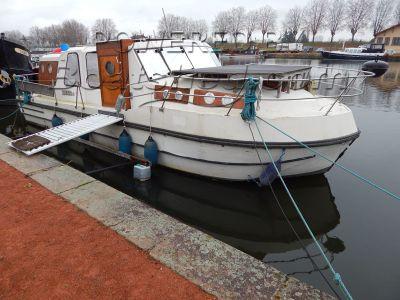 Nicols Riviera 920 Canal and river cruiser