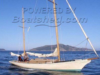 Legendary Yachts Araminta 33 Ketch Daysailer