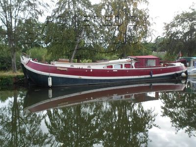 Dutch Barge Tjalk Tranquil south Brittany mooring