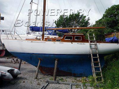 Tucker Brown Auxiliary Bermudan Sloop - Classic Wooden Cruiser