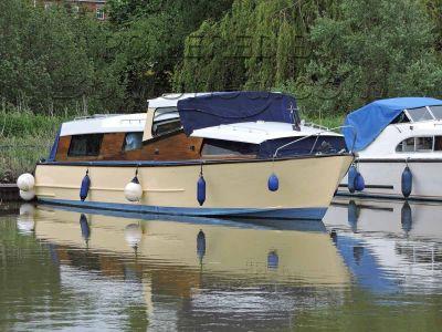 Herbert Woods 30 Broads Cruiser / Live aboard