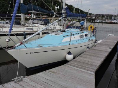 Contessa 28 Sailing Cruiser