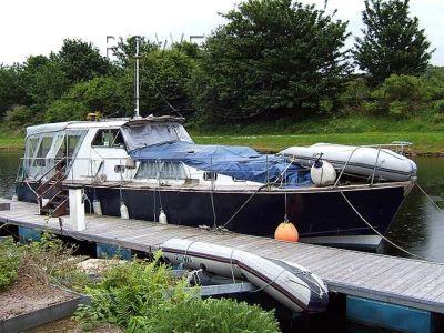 Motor Yacht Twin-Screw 46'