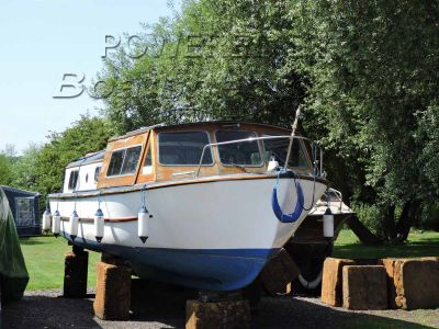 Dawncraft Wroxham 30ft Broads Cruiser