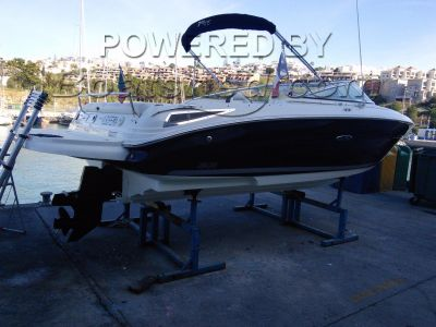 Sea Ray 220 SS speed boat