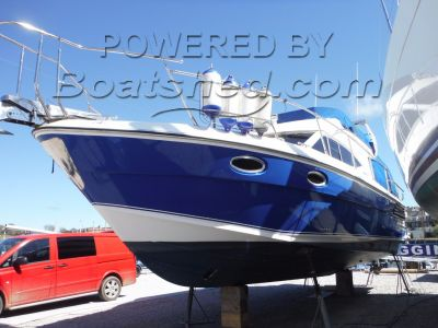Blackwater Motor Yachts 35 ft Fly Bridge