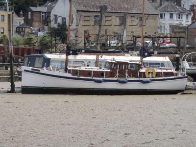 Pinnace Sailing Vessel