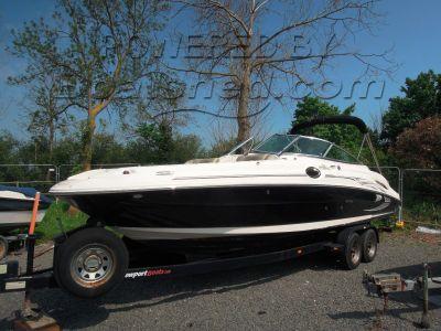 Sea Ray 270 Sundeck Bow Rider