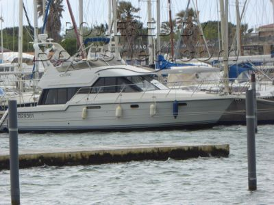Carver 370 Voyager Flybridge cruiser