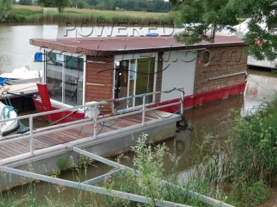 Barge Floating Restaurant & Shop Restaurant Ref 222337 Inclus Dans Le Prix