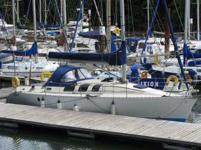 Beneteau First 35S5 Deep fin, tall rig