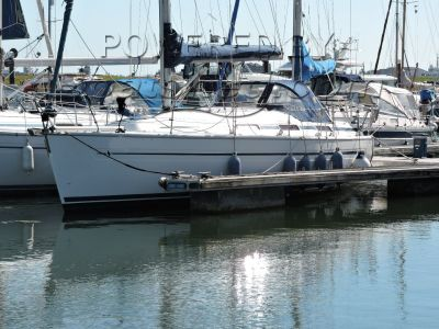 Bavaria 32 Blue Water/Coastal Cruiser