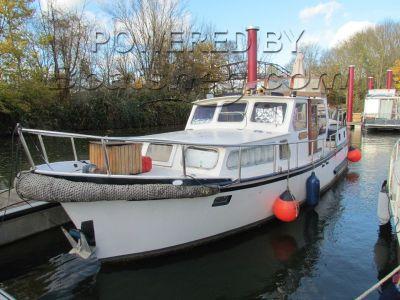 Dutch Steel River Cruiser live aboard potential
