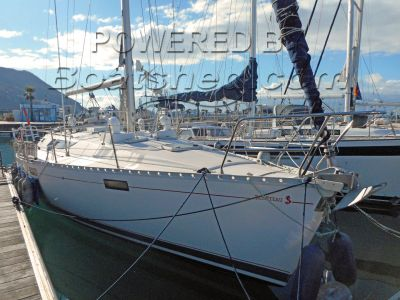 Beneteau Oceanis 390 Cruiser/Racer