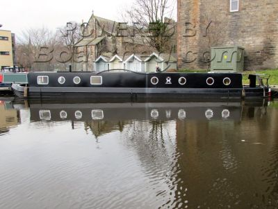 Wide Beam 63 ft Shearwater English Barge