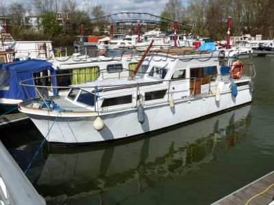 Steel Dutch Motor Cruiser