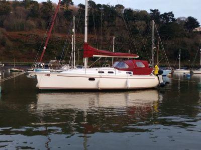 Dufour Gib Sea 33 (Voluminous Cruiser)