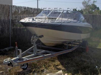Bayliner Bowrider 195 speedboat