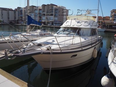 Nimbus 380 Carisma Flybridge cruiser
