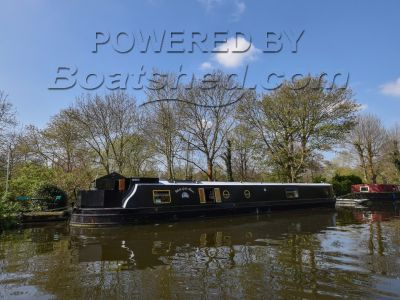 Wide Beam 66ft with London mooring