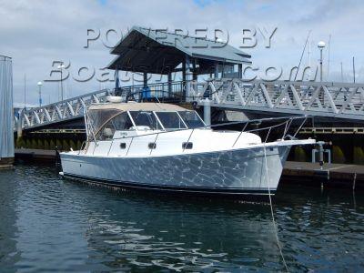 Mainship 34 Pilot Fast Express Cruiser