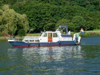 Dutch Steel Motor Cruiser