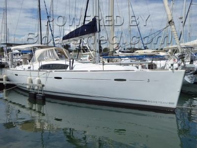 Beneteau Oceanis 43 Twin Wheel Steering 3 Cabin Layout
