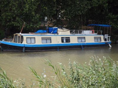 Wide Beam 53 Mooring available