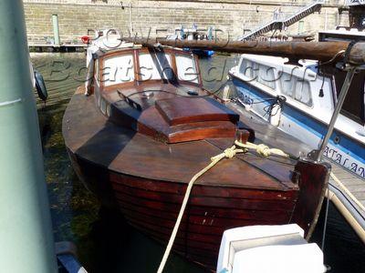 Finnsailer 26 wooden sailing cruiser