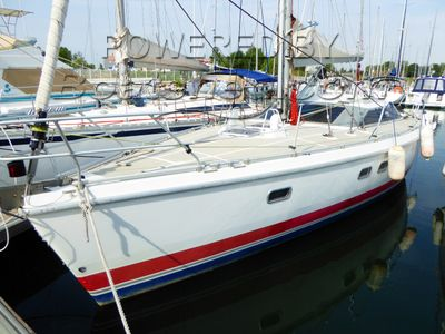 Etap 38i Family cruiser  with hull buoyancy