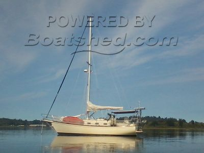Island Packet 32 Bluewater Cruiser