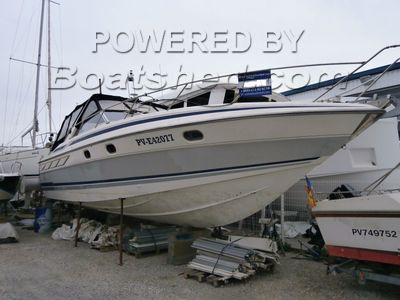 Sunseeker Travado 40 Sports cruiser with two double ensuite cabins