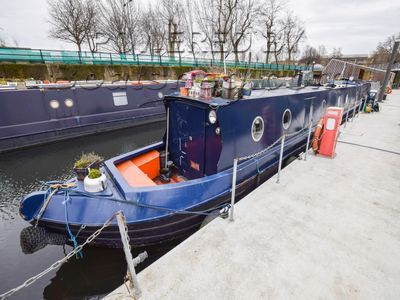Narrowboat 57ft With London Mooring