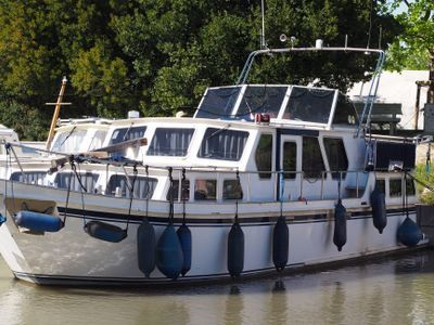 Dutch Steel Motor Cruiser 40 Two thrusters