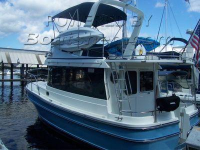 Helmsman Trawlers 31 Sedan Pocket Trawler