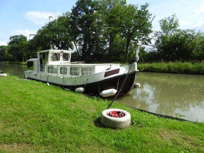 Locaboat 1107 Propulseur d'étrave, parquet chêne, stores extérieurs.
