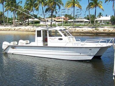Twin Vee 32 Pilot House Catamaran
