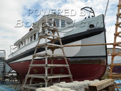 Tug Yacht Conversion McKenzie Barge & Derrick Co. Ltd.