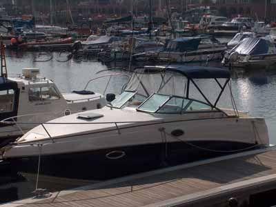 Rinker 250 Sports Cruiser