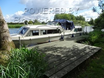Viking 32  Well appointed inland live aboard cruiser