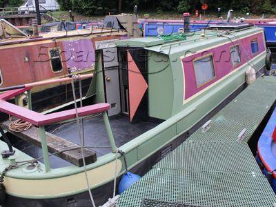 Narrowboat 39ft Cruiser Stern