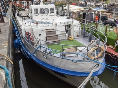 Converted Passenger Ferry 25m With London Mooring