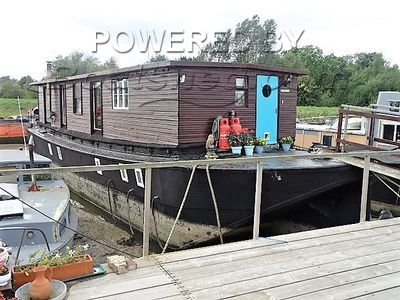 Houseboat 100ft Converted Lighter